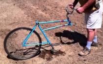 Как сделать окучник для картофеля из старого велосипеда